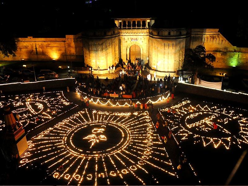 Shaniwar Wada in Lights - Dhanatrayodashi