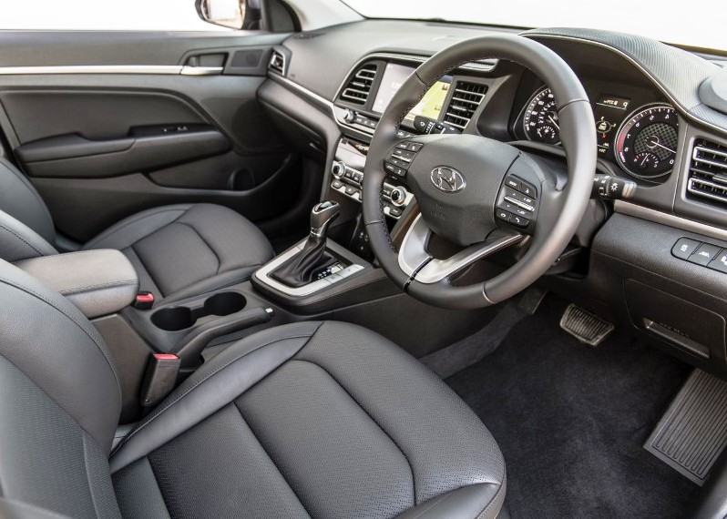2020 Hyundai Elantra Interior Safe Exit Assist System Review