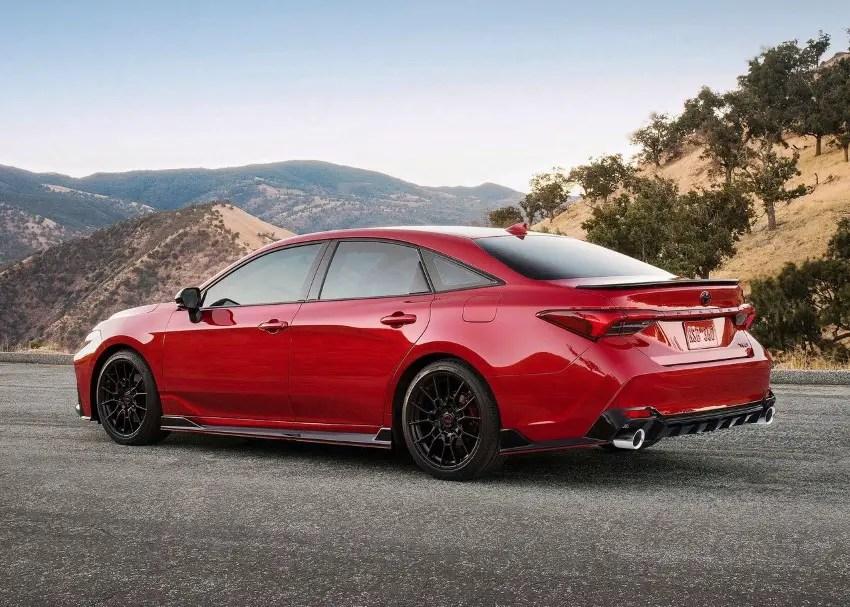 2020 Toyota Avalon XLE Review - Specs & features