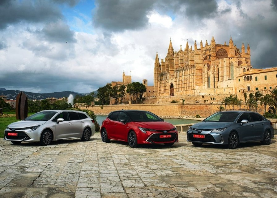 2020 Toyota Corolla Hybrid Configurations