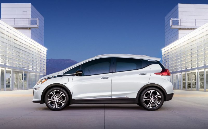 2020 Chevy Bolt White Color Side Angle With New Two Tone Velg