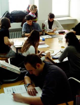classroom-of-art-students