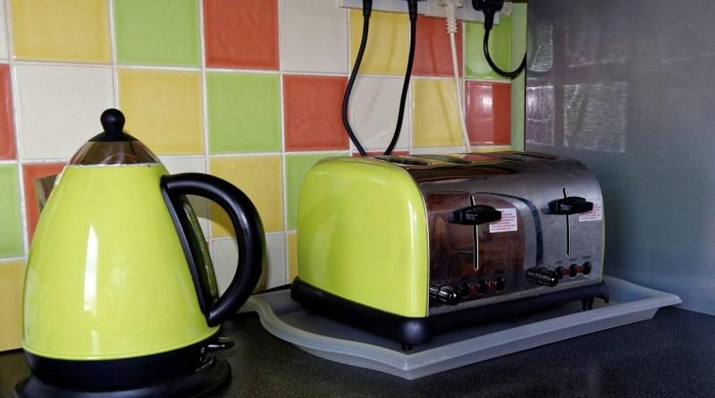 Kitchen Toaster Kettle Home  - 27707 / Pixabay