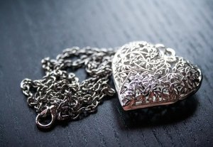 antique jewelry shopping what to look for - Antique Jewelry Shopping What To Look For