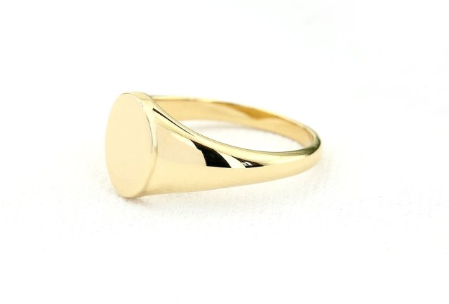 Chic Minimalist Circular Face 14k Gold Ring With Graduated Band