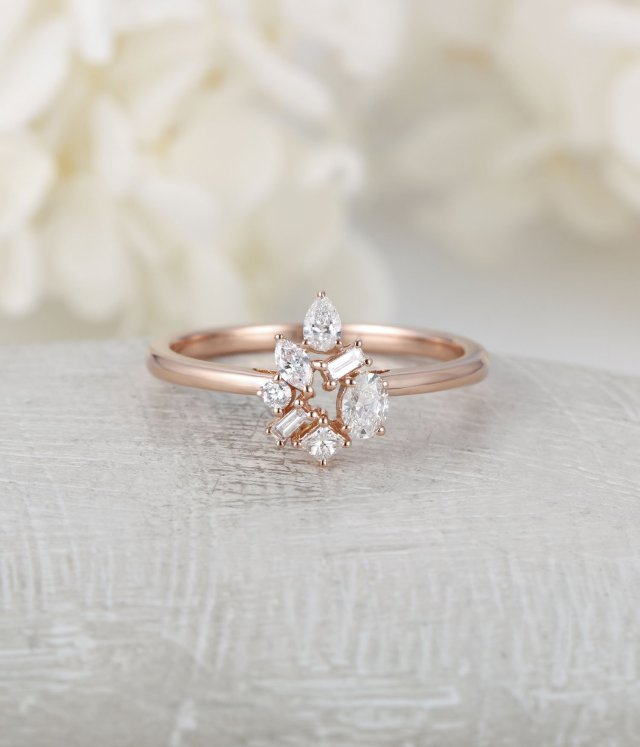 Diamond Cluster Ring Flower Unique Engagement Ring Rose Gold Mini Gift Floral Baguette Pear Shaped Oval Wedding Band Marquise Women Bridal Fine Jewelry Ideas
