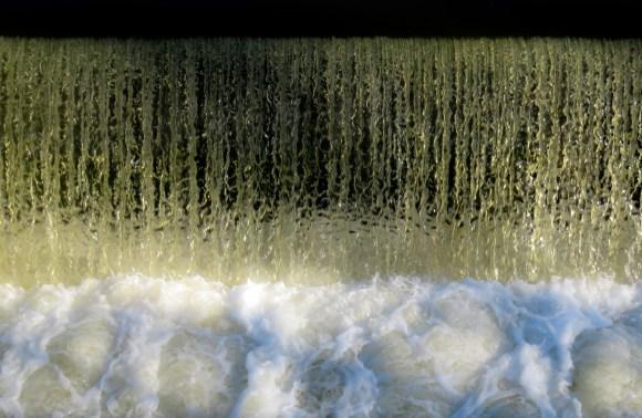 waterfall-1186377_1920