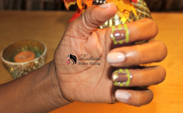 manicure using nail vinyls