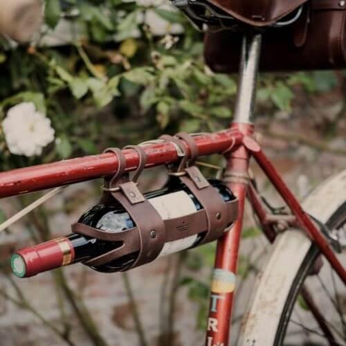Annorlunda 20 års present: vinhållare till cykel