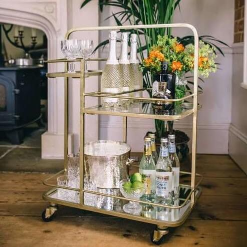70 års present till föräldrar: drinkvagnen