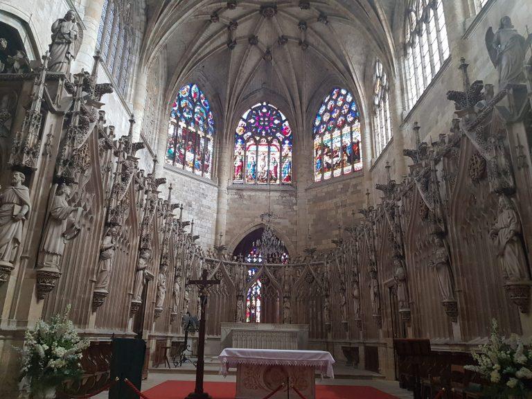 a neo-Gothic openwork screen