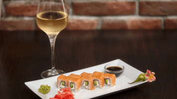 Wine and sushi pairing