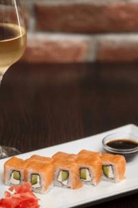 Wine and sushi pairing
