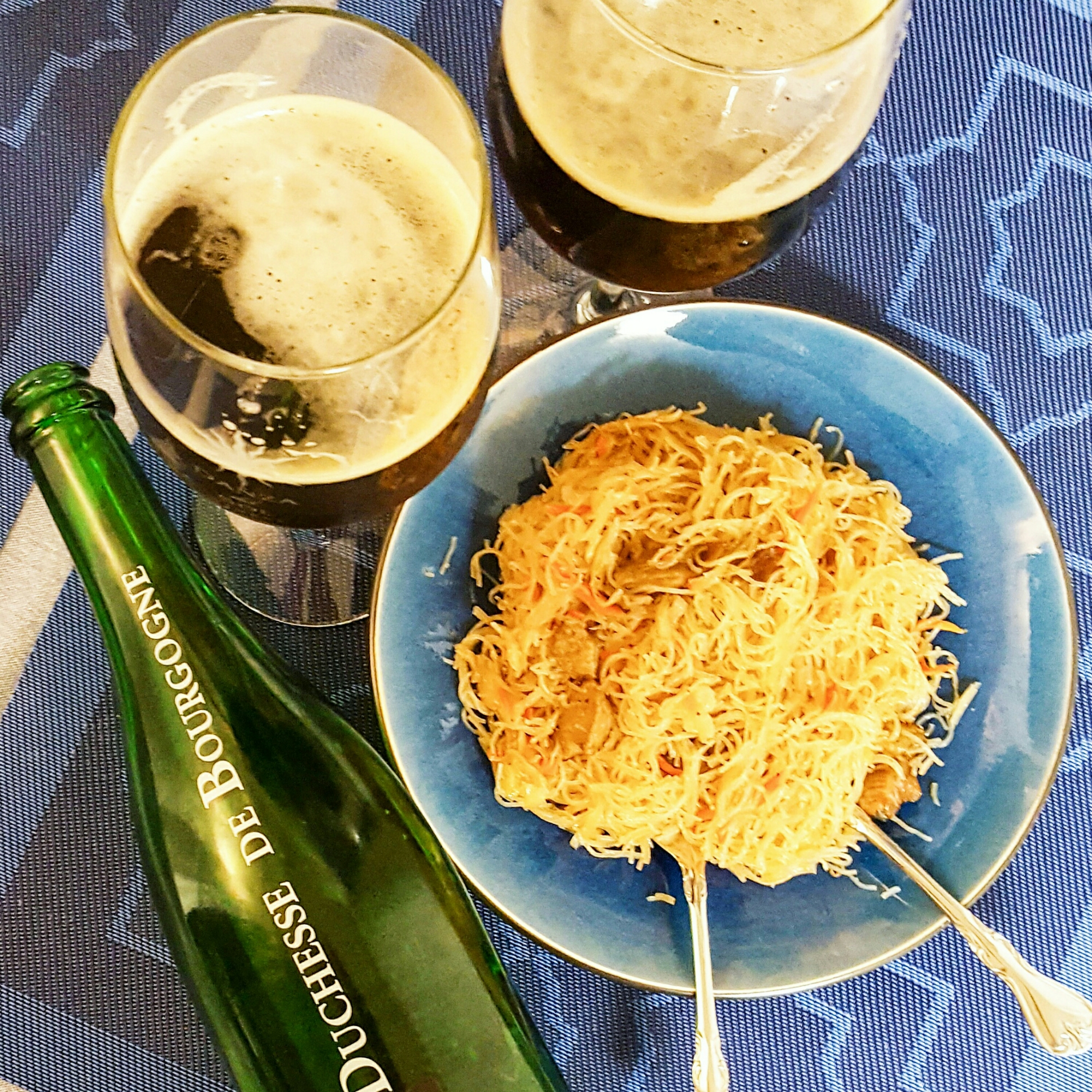 Filipino food wine pairing - Pancit