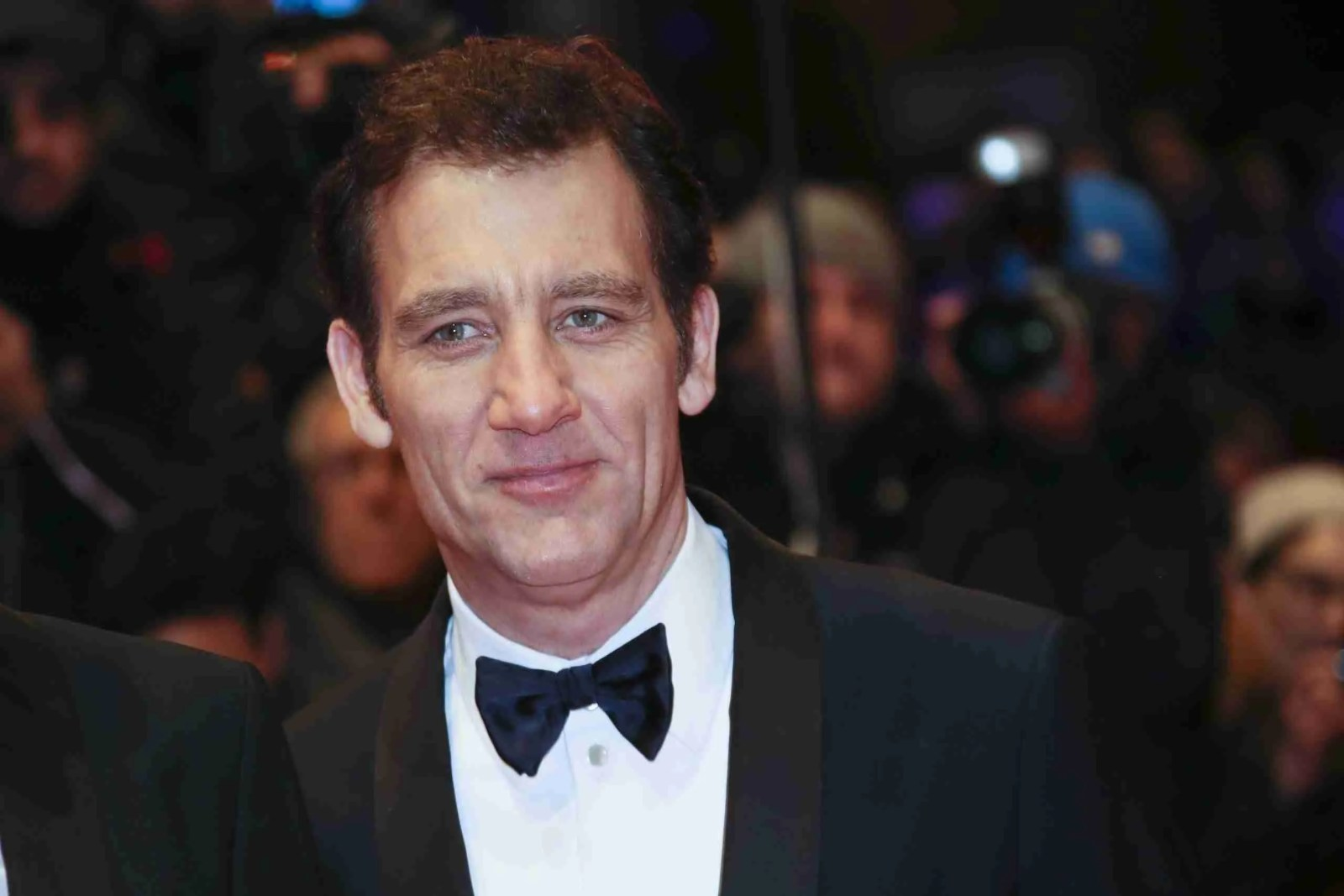 Clive Owen To Play Bill Clinton In 'Impeachment: American Crime Story' On FX 7