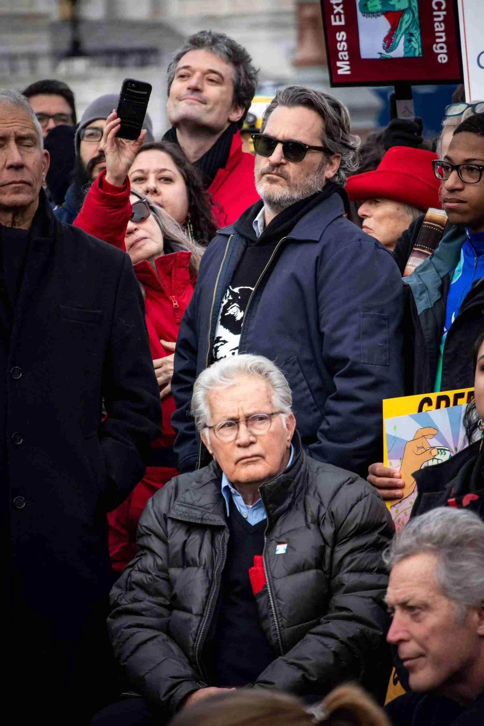 Joaquin Phoenix & Martin Sheen Arrested at Jane Fonda's Climate Change Rally 7