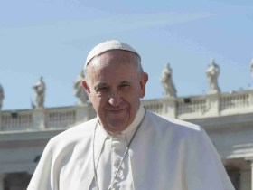 Pope Francis Gives Money to Trans Women Prostitutes & Wants Global Cooperation Against Virus 9