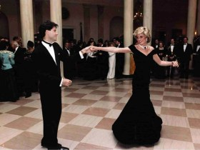 Princess Diana Statue to be Installed at Kensington Palace for her 60th Birthday 13