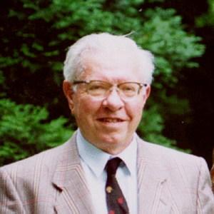 생명이 발생할 확률을 계산하고 유신론자가 된 프레드 호일