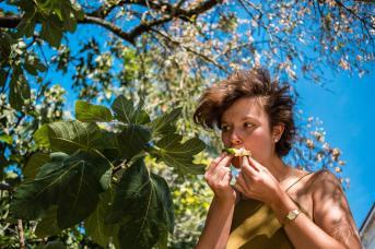 girl trees fruit Portugal porto