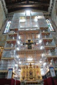santa-croce-main-altar