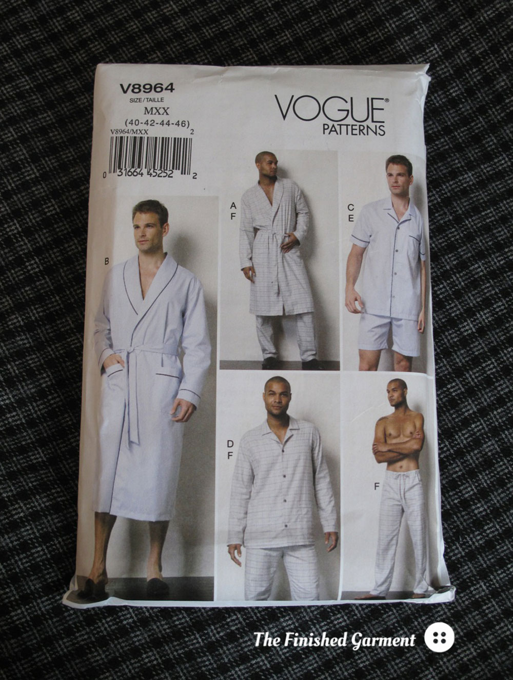Vogue 8964 Sewing Pattern for men's pyjamas and robe