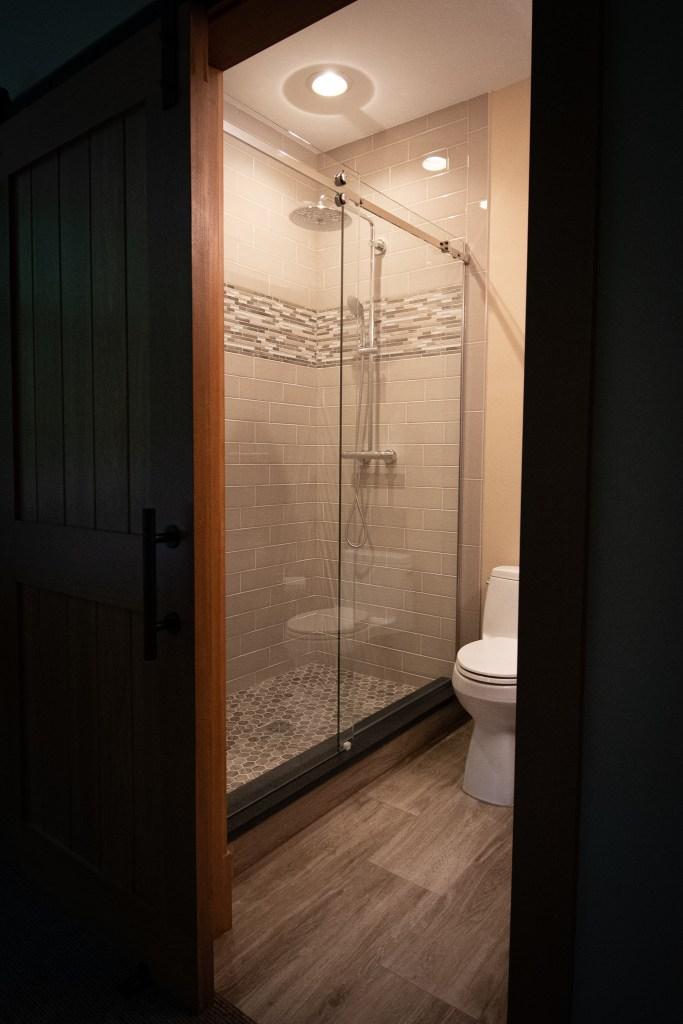 Full Bath with Barn Door
