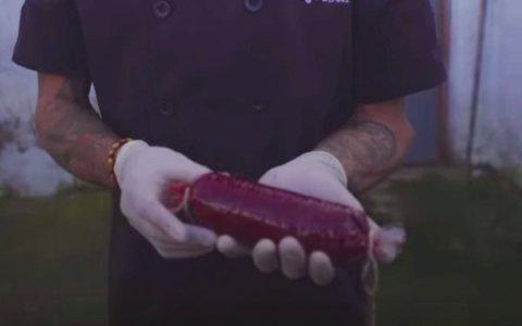 Ya puedes comer morcilla vegana hecha con tu propia sangre