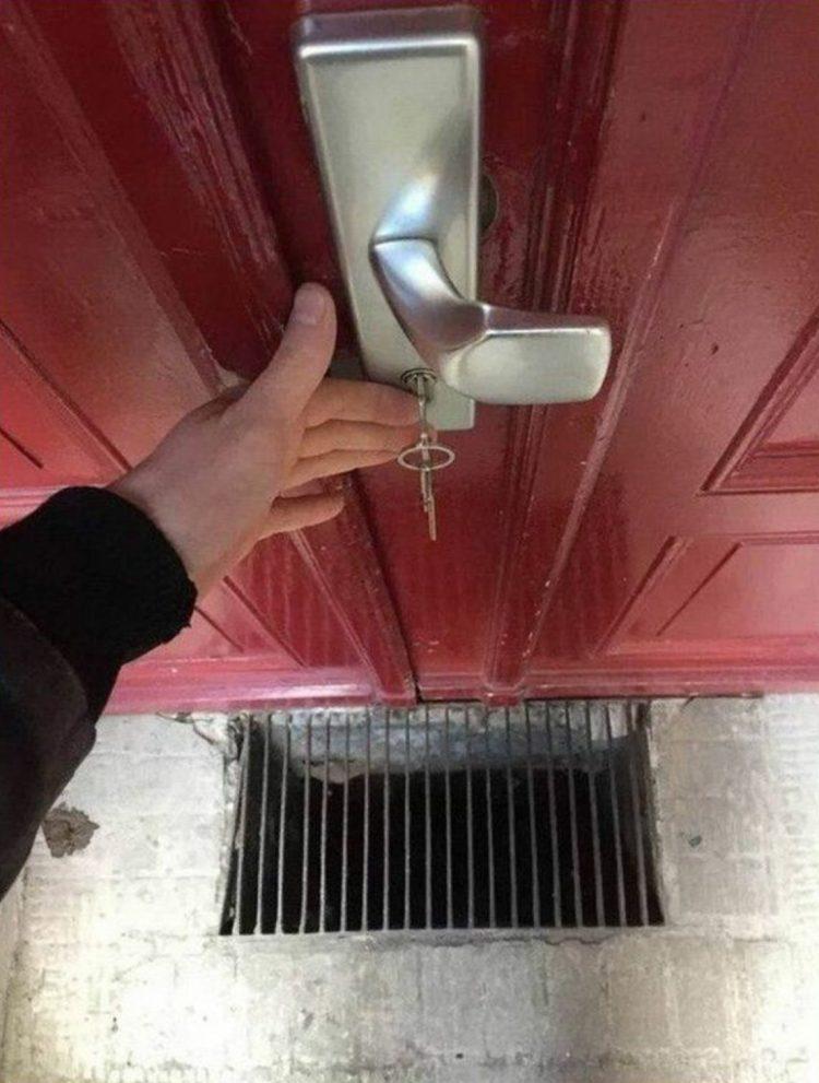 Puerta anti-borrachos