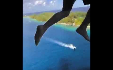 El final boss del balconing: saltando desde el último piso (11) de un crucero
