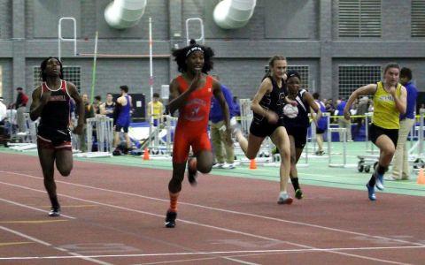 Dos chicas transgénero terminan 1º, 2º en los campeonatos de Atletismo femenino de Connecticut