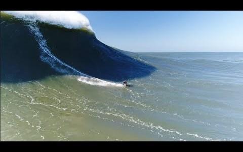 Surf con drones en Nazare