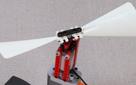 ¿Se puede conseguir que algo hecho 100% con piezas de LEGO... VUELE?