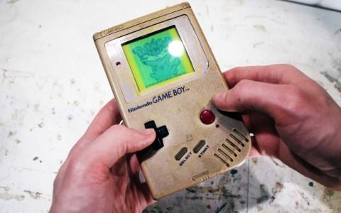 Restaurando una Game Boy que conoció tiempos mejores