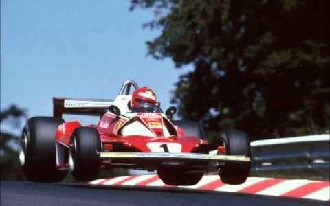 De camino al entierro de Nicky Lauda
