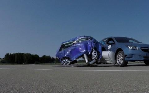 EL nuevo airbag lateral de ZF... va por fuera