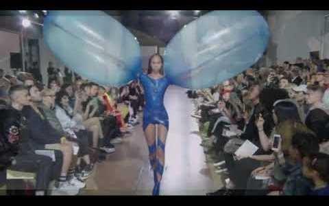Desfile de moda con sonido honesto