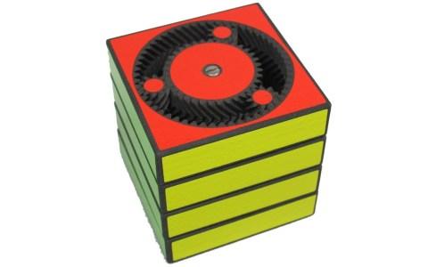 Por si tenías poco con lo contraintuitivo que es un cubo de Rubik convencional, llega: EL CUBO DE RUBIK PLANETARIO
