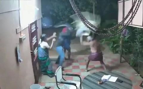 Una pareja de ancianos se enfrenta a dos ladrones armados con machetes