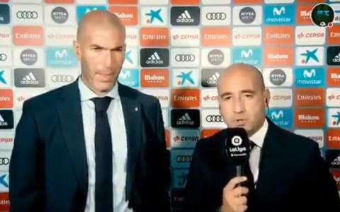 """""""Aquí estamos con Zinedine Zidane el técnico del Real Madrid, Mister qué tal muy buenas..."""""""