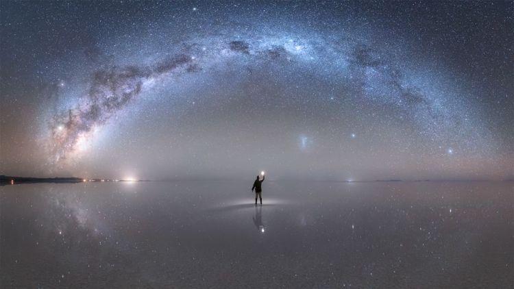 La espectacular imagen de la Vía Láctea captada por el fotógrafo peruano Jheison Huerta que fue distinguida por la NASA