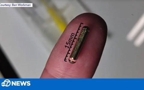 Se implanta la llave de su tesla bajo la piel de la mano