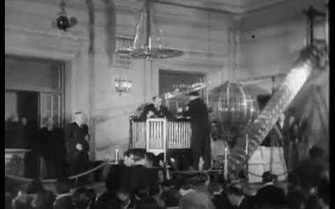 Estaba buscando un vídeo de la lotería de Navidad de 1939 y me he encontrado con esta maravilla