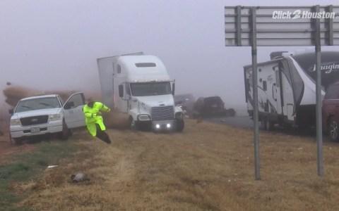 Ojo niebla: Impresionante accidente de camión grabado de frente
