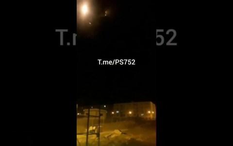 Vídeo que muestra al 737 de pasajeros ucraniano siendo derribado por un misil en Irán