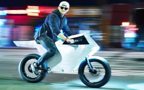 Casey Neistat crea la Tesla Cyberbike