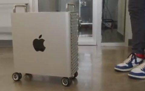 El Mac Pro con ruedas puede salir rodando, literalmente, porque... NO tiene bloqueo para las ruedas