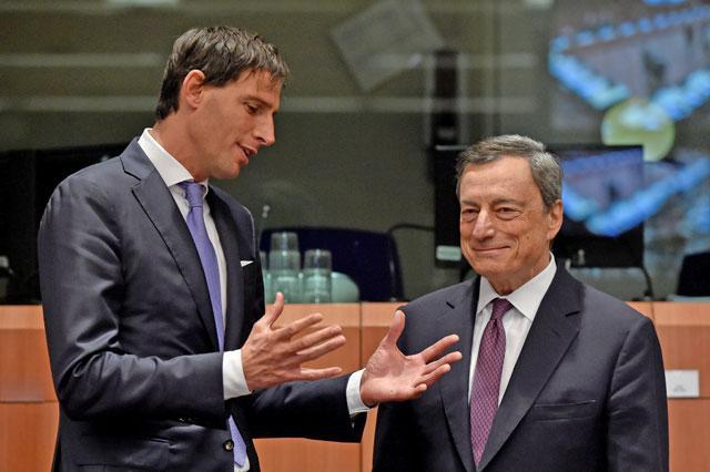 Holanda busca camas de UCI en los países vecinos 2 días después de criticar la falta de previsión del sur de Europa