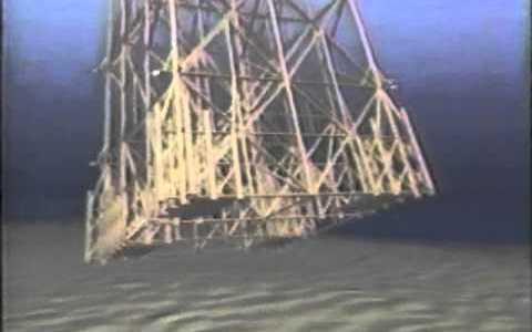 ¿Alguna vez habías visto flotar la Torre Eiffel? Así colocaron una plataforma petrolífera en el golfo de Méjico
