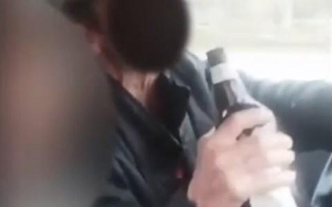 Detenidos conduciendo sin cinturón, bebiendo alcohol de una botella, y en pleno estado de alarma